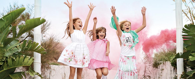 La moda per bambine si veste di fiori