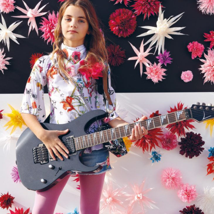 WANNABE A ROCK STAR: FLOWER TREND, YES BUT ROCK!